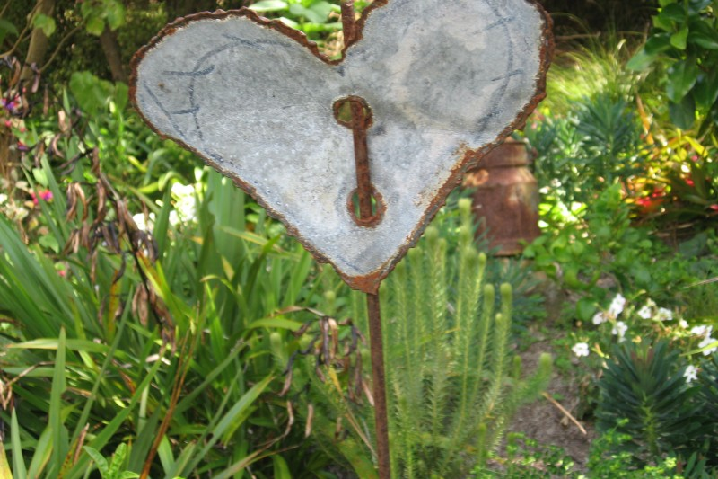 Universal Heart Newsletter from Stephanie Dowrick